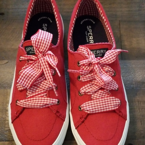 Sperry Crest Vibe Gingham Chili